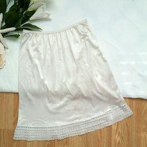 *Vintage Short Lace Slip*